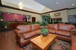 Отель Comfort Suites Lake Jackson