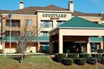 Отель Courtyard Frederick