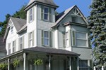 Henniker House Bed & Breakfast