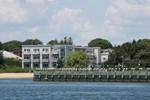 Отель The Harborfront Inn