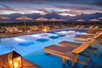 Отель The Vines Resort & Spa