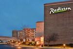 Отель Radisson Cleveland Airport