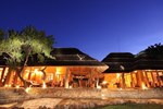 Отель Rhulani Safari Lodge