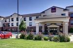 Отель Comfort Suites Pratt