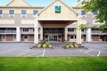 Отель Quality Inn & Suites Maine Evergreen Hotel