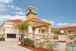 Отель Rodeway Inn & Suites Humble