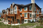 Отель Lakeside Resort Properties