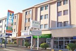 Отель Hotel & Suites Santa Barbara