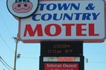 Отель Town and Country Motel