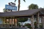 Отель Tropics Motor Hotel
