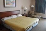 Отель Deluxe Inn - Statesboro