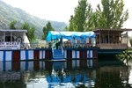 Отель New Retreet Houseboat