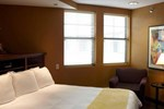 Отель Holiday Inn Hotel Pewaukee-Milwaukee West