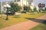 Отель Mackinaw City Clarion Hotel Beachfront