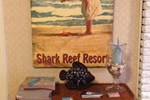 Отель Shark Reef Resort Motel & Cottages