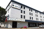 Отель Admiral Inn & Suites