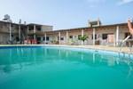 Отель Mancora y Sol