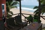 Отель Axim Beach Hotel