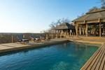 Отель Simbavati Hilltop Lodge