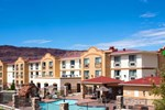 Отель Holiday Inn Express Hotel & Suites MOAB