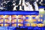 Отель Hotel et Suites Les Laurentides