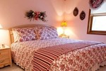 Мини-отель Red Bud Cove Bed and Breakfast Suites