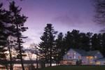 Отель Wolf Cove Inn Maine