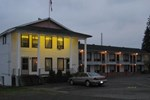 Отель Frontiersman Motel