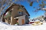 Отель Alpine Retreat Mt Buller