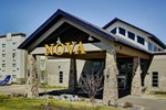 Отель Chateau Nova Hotel Fort McMurray