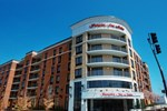 Отель Hampton Inn & Suites Nashville Downtown