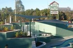 Отель McNevins Logan Park Motel