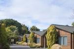 Отель Cottage Park Travel Lodge & Conference Centre