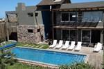 Отель Villa Juana Bungalows & Suites