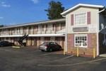 Отель Pine Crest Motor Lodge