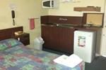 Отель Pioneer Villa Motel