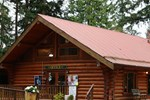 Отель Riverbend RV Resort and Cottages