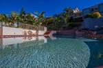 Отель Lennox Beach Resort