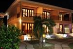 Отель Pirogue Lodge
