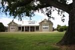 Апартаменты Brambletye Lodge