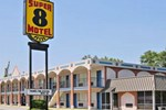 Super 8 Motel - Kinston