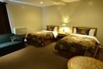Отель Barons Motor Inn