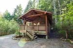 Апартаменты Stay Tofino's Properties-Ucluelet - Evergreen Forest Cabins