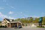 Отель Quality Inn & Suites at Dollywood Lane