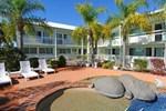 Отель Reef Adventureland Motor Inn