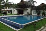 Отель Manor Backwater Resort