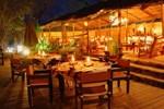 Отель Taita Falcon Lodge