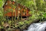 Отель The Mouses House Rainforest Retreat
