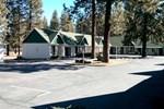 Отель Green Gables Motel & Suites