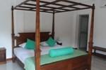 Отель Randeniweva Resort